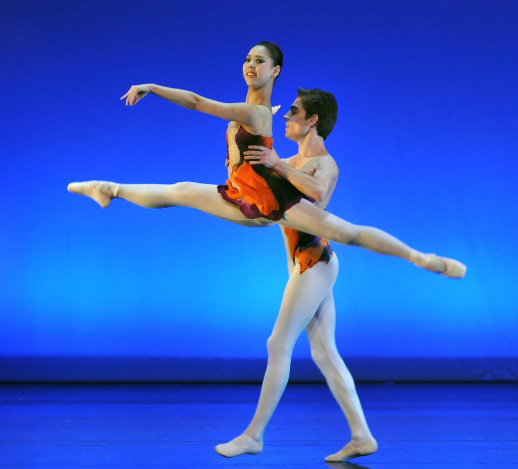 Chiaki Korematsu & Ivan Delgado Del Rio in Michael Corder's [I]Legends[/I] pas de deux.<br />© Dave Morgan. (Click image for larger version)