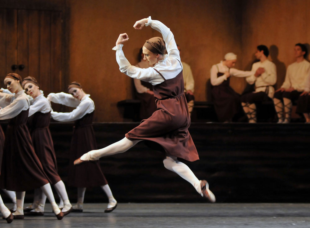 royal ballet birthday offering a month in the country les noces london dancetabs. Black Bedroom Furniture Sets. Home Design Ideas