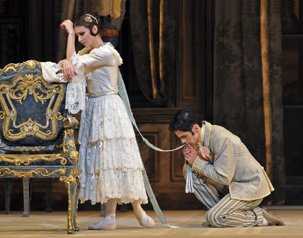 Alina Cococaru & Fedrico Bonelli in <I>A Month in the Country</I>. © Dave Morgan. (Click image for larger version)