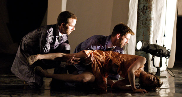 Malgorzata Dzierzion, Renaud Wiser and Joe Walkling in <I>Casting Traces</I>.<br />© Elliott Franks. (Click image for larger version)