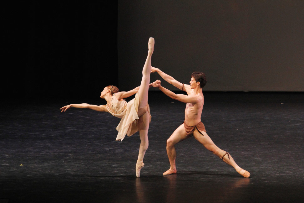 Yolanda Correa Frias and Yoel Carreno in <I>Diana and Actaeon</I> pdd.<br />© Ocs Alvares. (Click image for larger version)