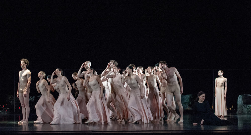 Paris Opera Ballet in <I>Orpheus and Eurydice</I>.<br />© Stephanie Berger. (Click image for larger version)