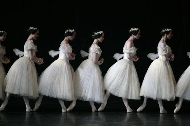 Paris Opera Ballet in <I>Giselle</I>.<br />© Sebastien Mathé. (Click image for larger version)
