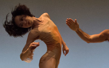 Peng Yu-Chen and Brandon Freeman in Gina Patteron's The Inconstant.© David deSilva. (Click image for larger version)