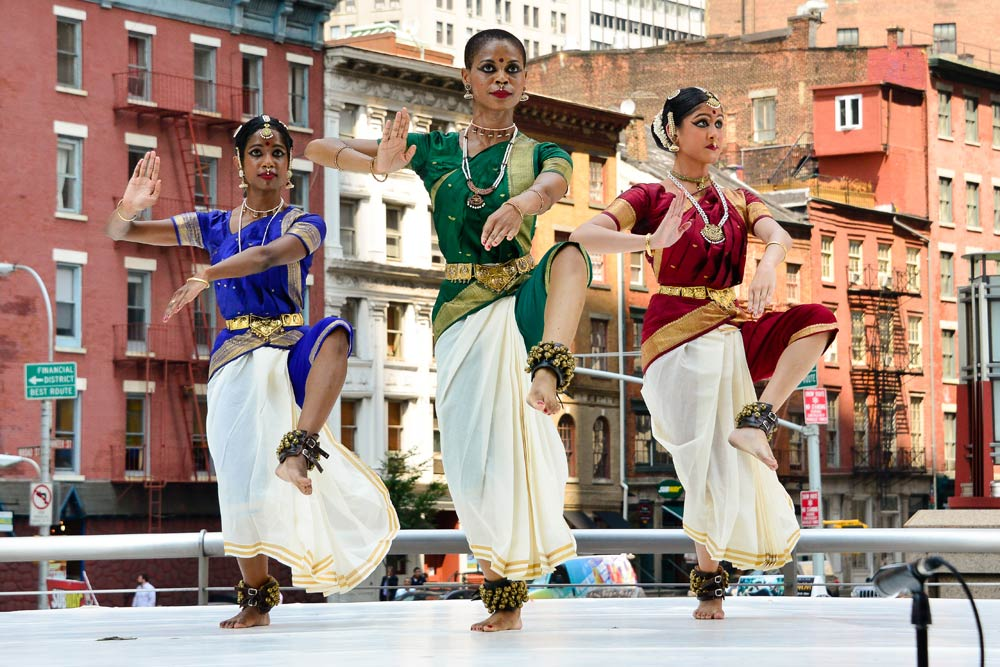 Jiva Dance Company performs excerpts from Sonali Skandan's Bharata Natayam work <I>Infinite Form</I>.<br />© Darial Sneed. (Click image for larger version)