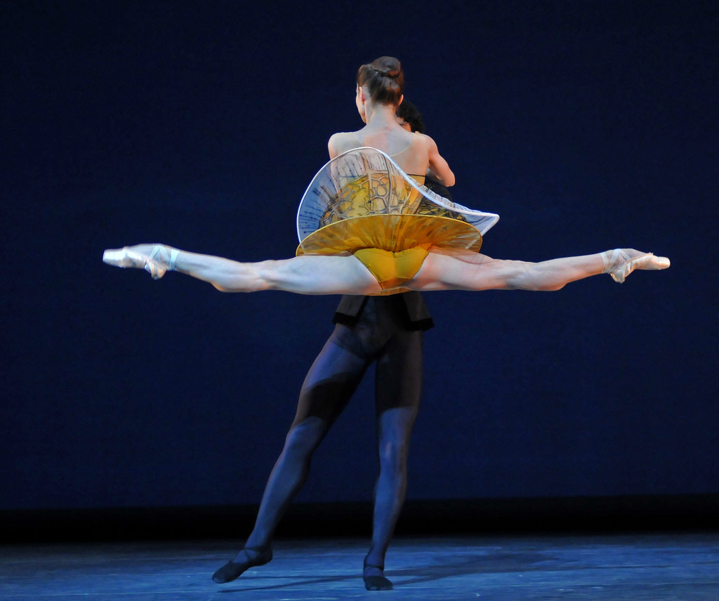 Maria Kochetkova (with Hansuke Yamamoto) in Possokhov's <I>Classical Symphony</I>.<br />© Dave Morgan and courtesy of San Francisco Ballet. (Click image for larger version)