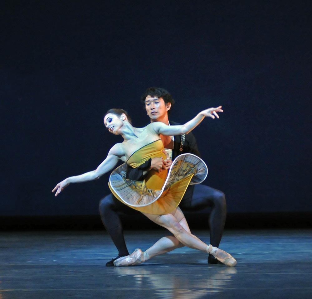 Maria Kochetkova and Hansuke Yamamoto in Possokhov's <I>Classical Symphony</I>.<br />© Dave Morgan and courtesy of San Francisco Ballet. (Click image for larger version)