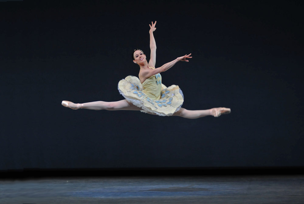 Vanessa Zahorian in Balanchine's <I>Divertimento No. 15</I>.<br />© Dave Morgan and courtesy of San Francisco Ballet. (Click image for larger version)