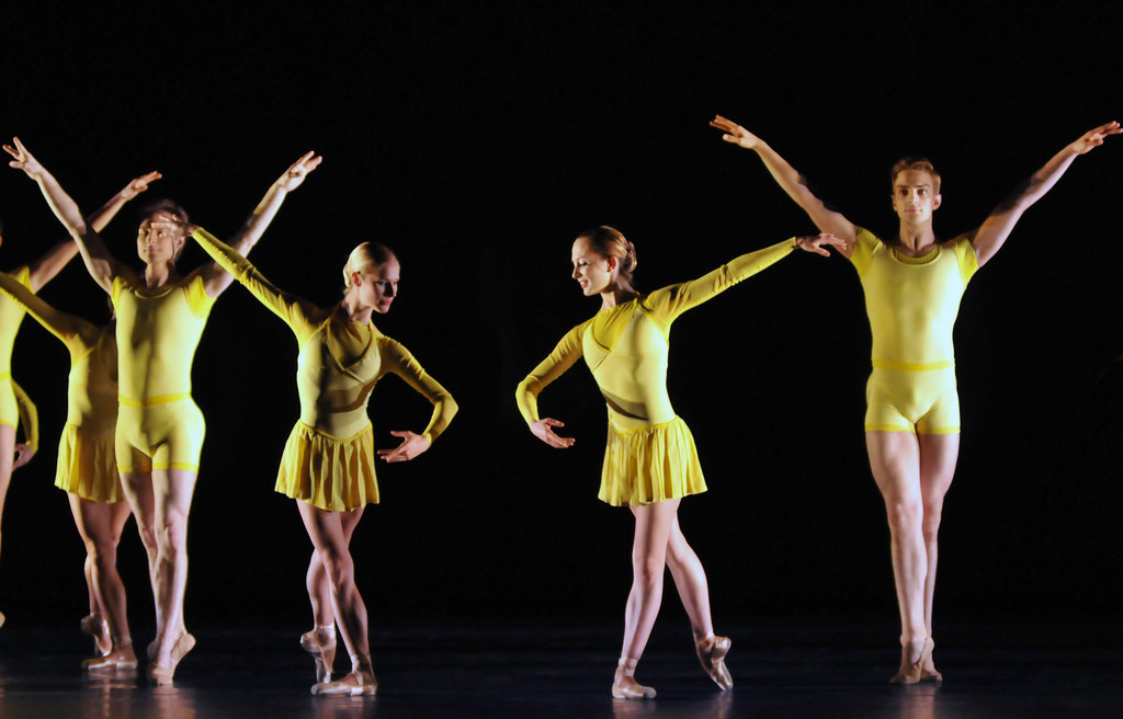San Francisco Ballet in Wheeldon's <I>Number Nine</I>.<br />© Dave Morgan and courtesy of San Francisco Ballet. (Click image for larger version)