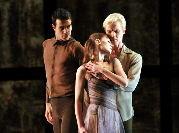 Vito Mazzeo, Tiit Helimets & Sarah van Patten in Tomasson's Trio.© Dave Morgan. (Click image for larger version)
