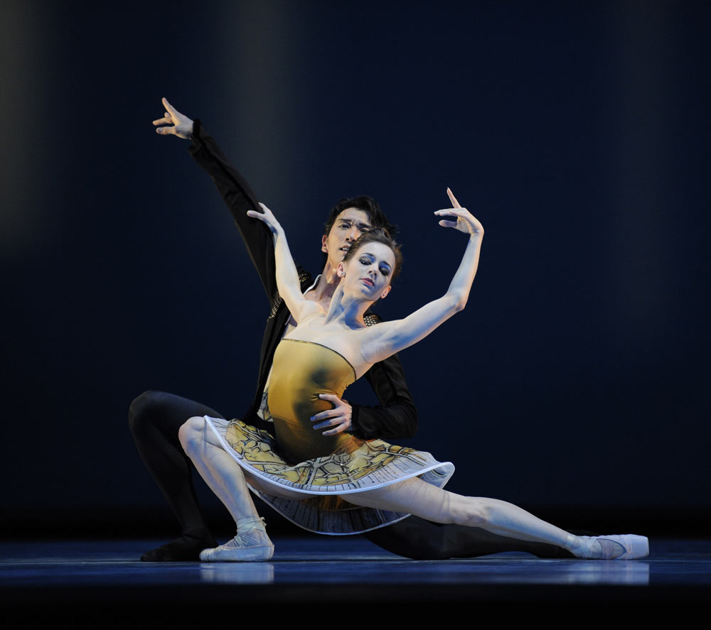 Maria Kochetkova and Hansuke Yamamoto in Possokhov's <I>Classical Symphony</I>.<br />© Erik Tomasson. (Click image for larger version)