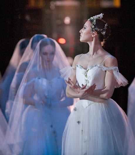 Elanan Altman in Tomasson's <I>Giselle</I>.<br />© Erik Tomasson. (Click image for larger version)