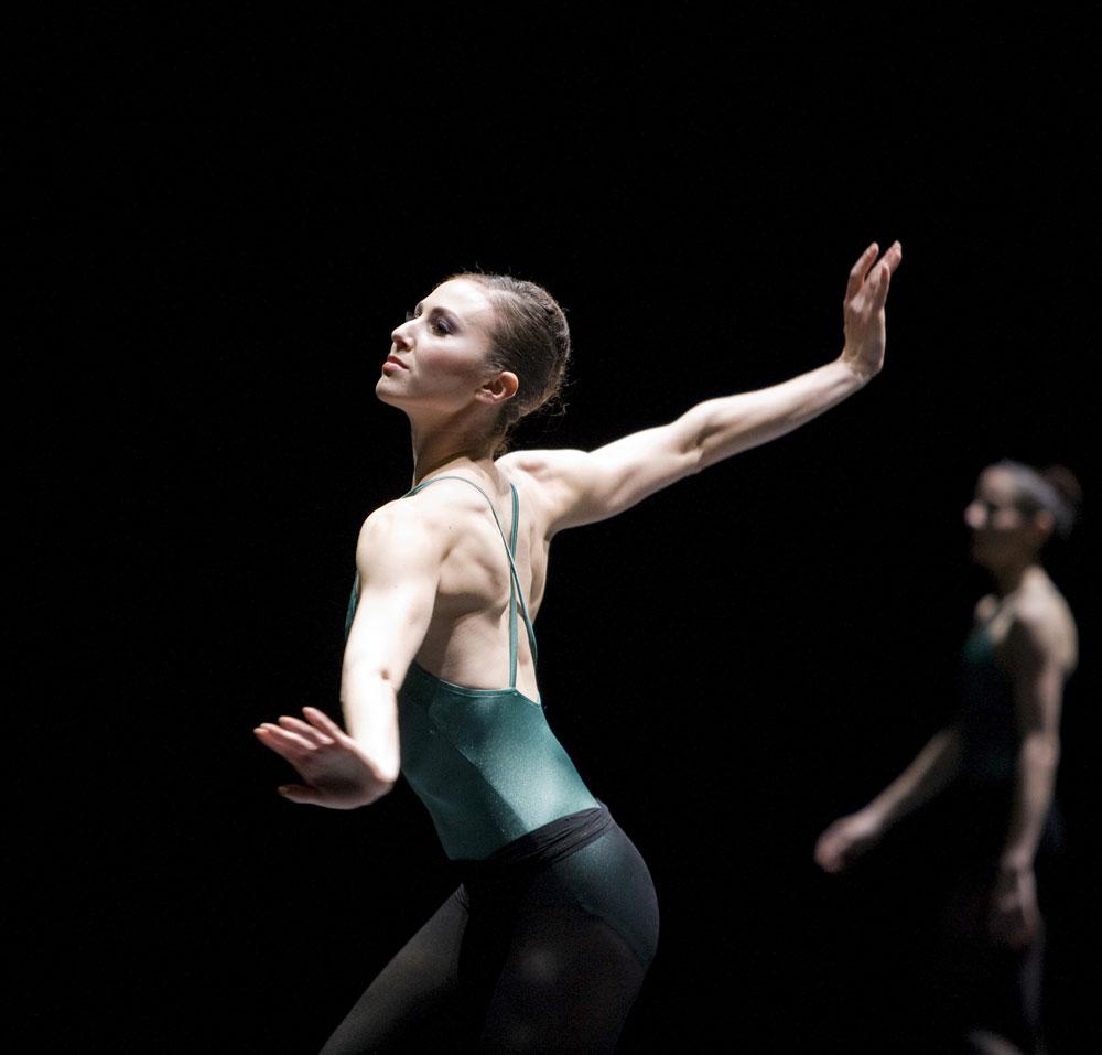 Elana Altman in Forsythe's <I>In the middle, somewhat elevated</I>.<br />© Erik Tomasson. (Click image for larger version)