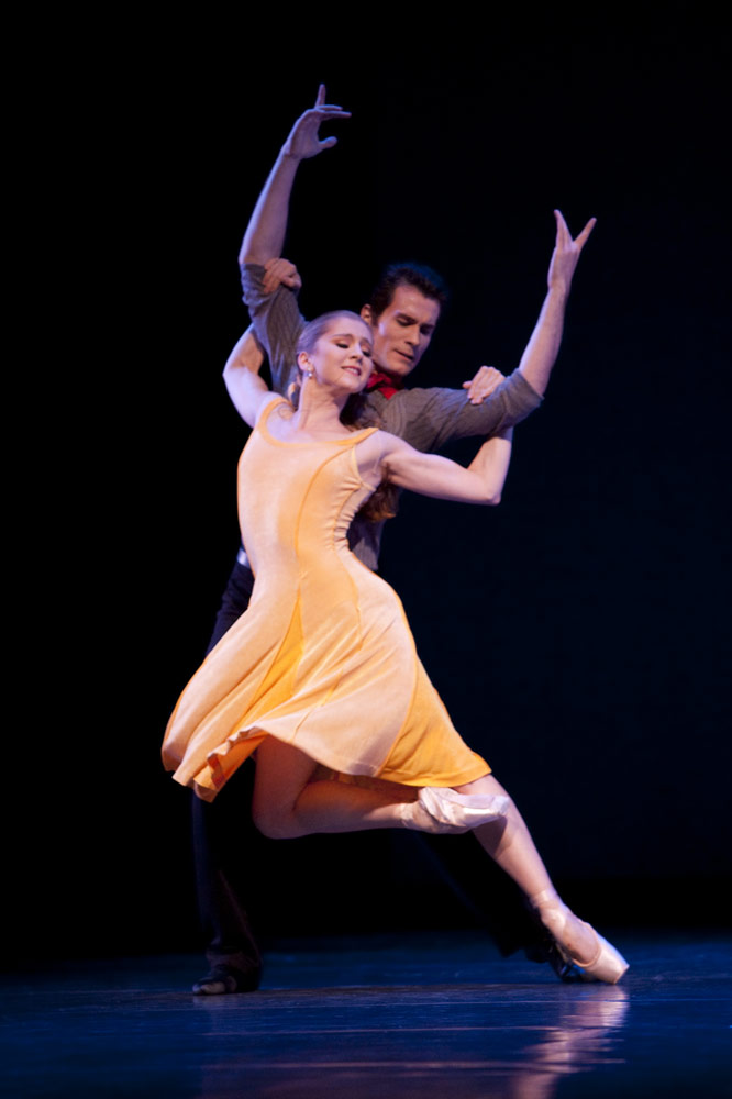 Carla Körbes and Seth Orza in Carousel (A Dance)<br />© Angela Sterling. (Click image for larger version)