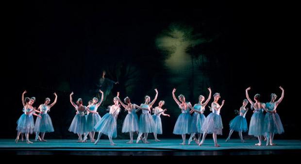 Artists of Birmingham Royal Ballet in <I>The Dream</I>.<br />© Bill Cooper