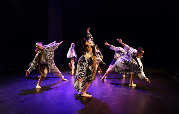 City Contemporary Dance Company in <I>Inside Out</I>.<br />© Conrad Dy-Liacco. (Click image for larger version)