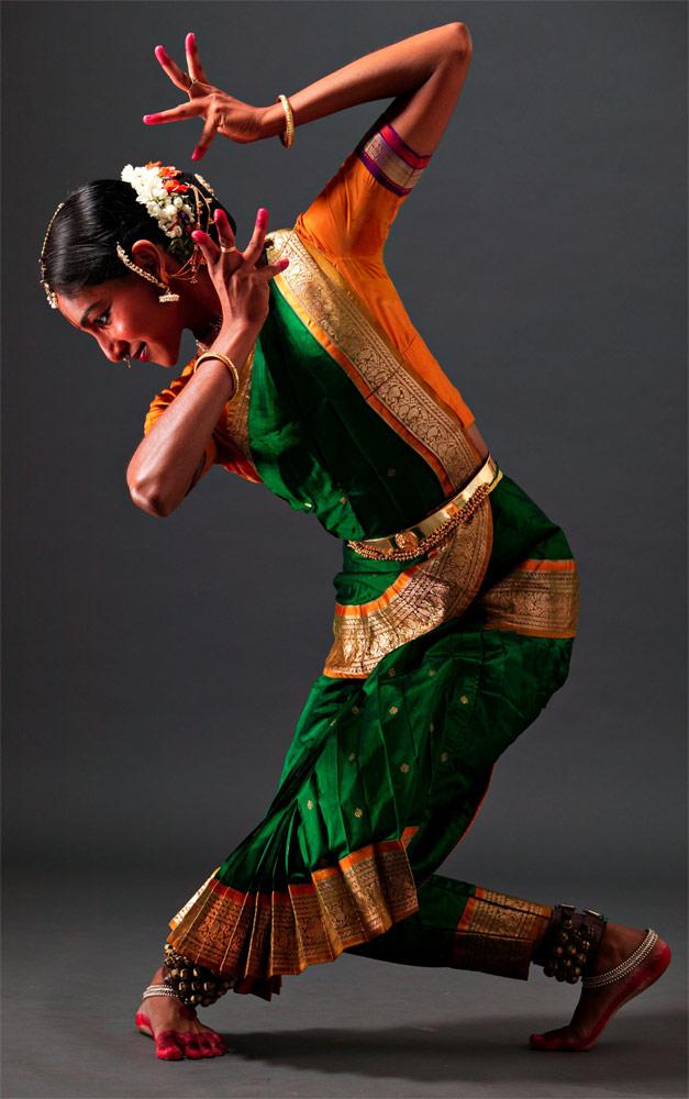 Shantala Shivalingappa in <I>Gamaka</I>.<br />© C.P.Satyajit. (Click image for larger version)