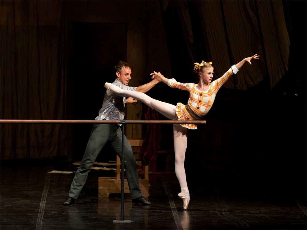 Thomas Lund and Ida Praetorius in The Lesson.<br />© Costin Radu. (Click image for larger version)