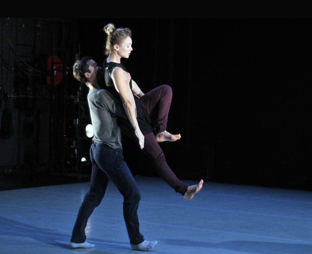 Hannah Kidd and James Pett in Martin Lawrence's <I>Madcap</I>.<br />© Dave Morgan. (Click image for larger version)