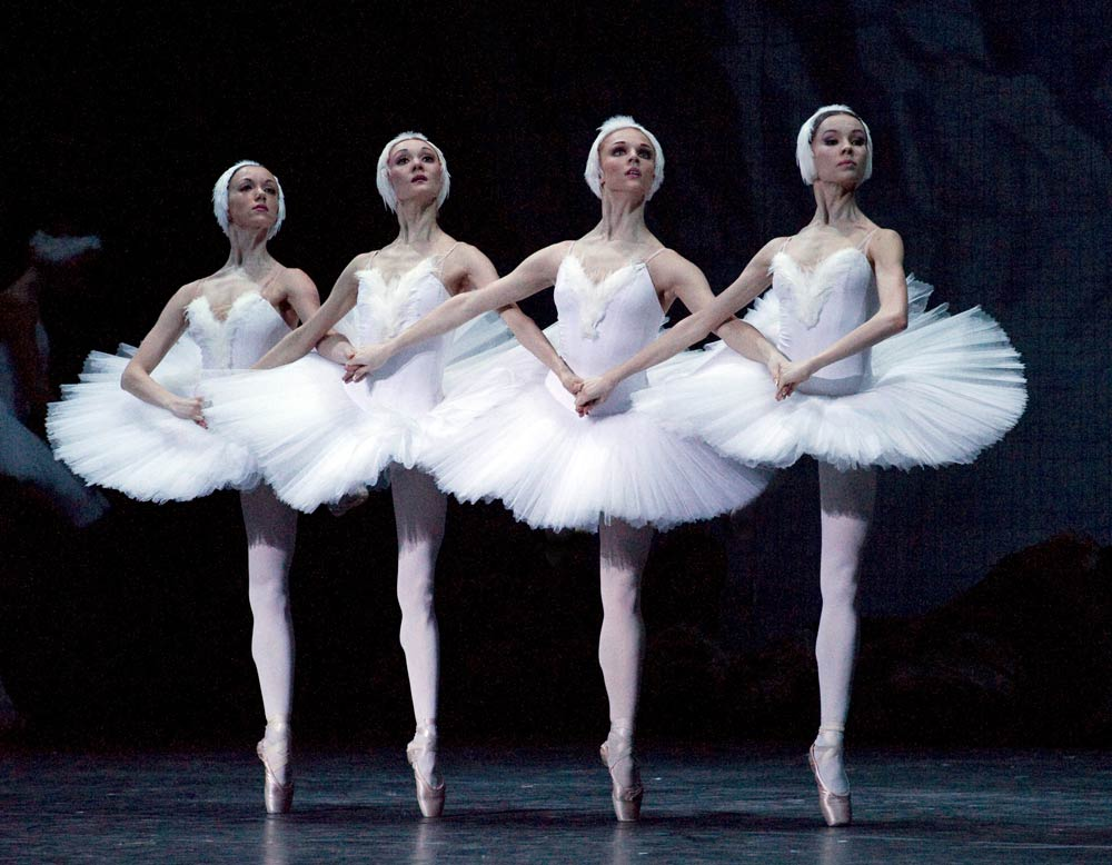 Mariinsky Ballet in <I>Swan Lake</I>.<br />© Gene Schiavone. (Click image for larger version)
