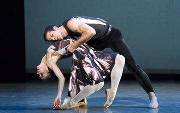 Polina Semionova and Marcelo Gomes in Alexei Ratmansky's Symphony #9.© Gene Schiavone. (Click image for larger version)