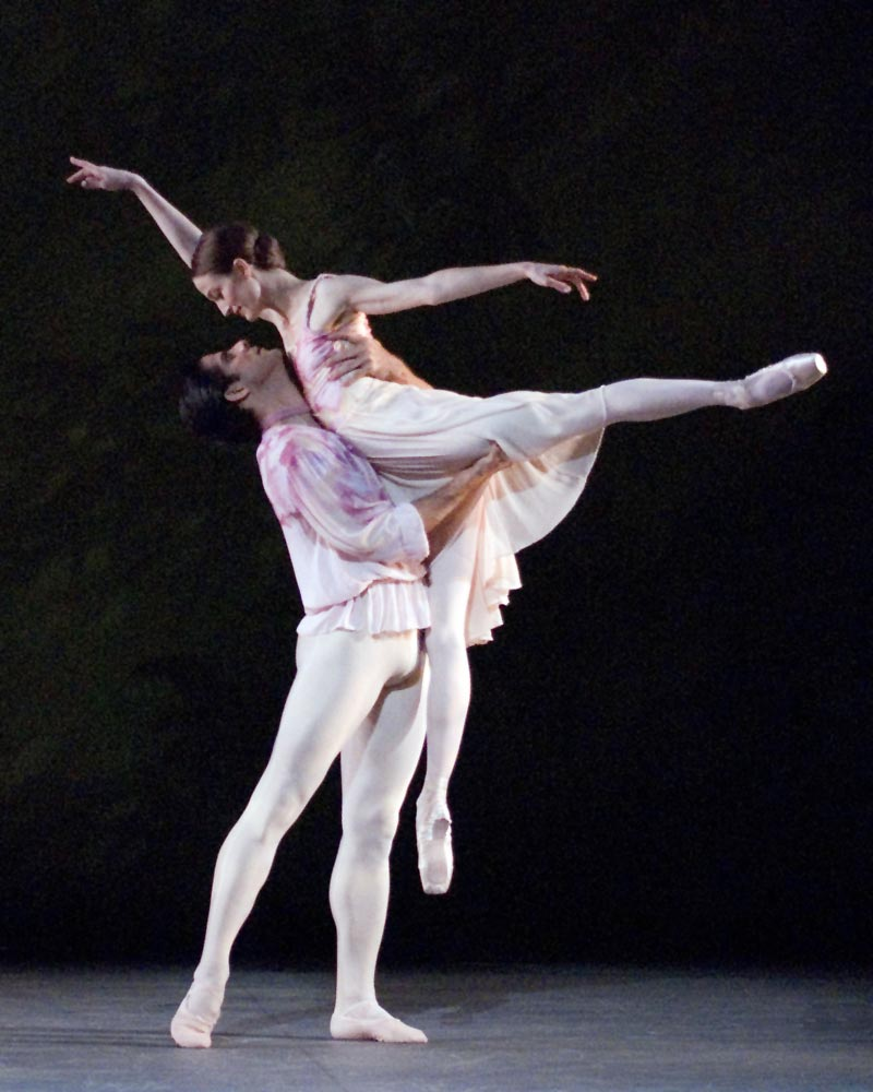 Julie Kent and Marcelo Gomes in <I>The Leaves Are Fading</I>.<br />© Gene Schiavone. (Click image for larger version)
