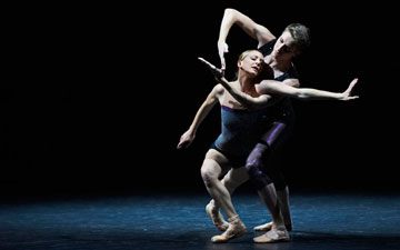 Scottish Ballet in William Forsythe's Workwithinwork.© Jim Markland, James Rowbotham Dance Photography.