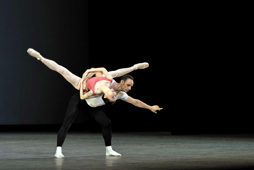 Thomas Lund and Yao Wei in Symphony in Three Movements (2009).<br />© Kyle Froman. (Click image for larger version)
