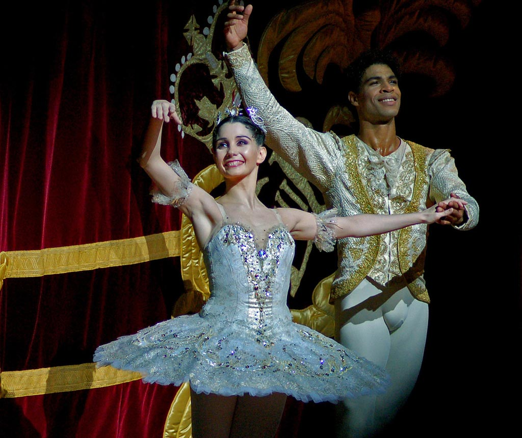 Tamara Rojo & Carlos Acosta after a performance of Sleeping Beauty at the Royal Opera House. © DanceTabs.