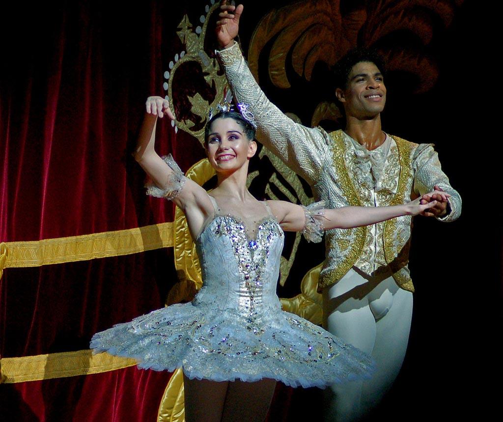 Tamara Rojo & Carlos Acosta after a performance of Sleeping Beauty at the Royal Opera House. © DanceTabs.