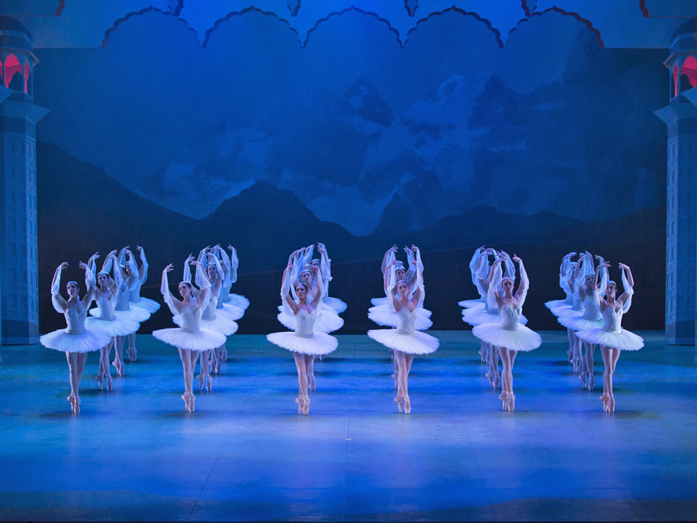 The Shades in La Bayadere.© Costin Radu. (Click image for larger version)