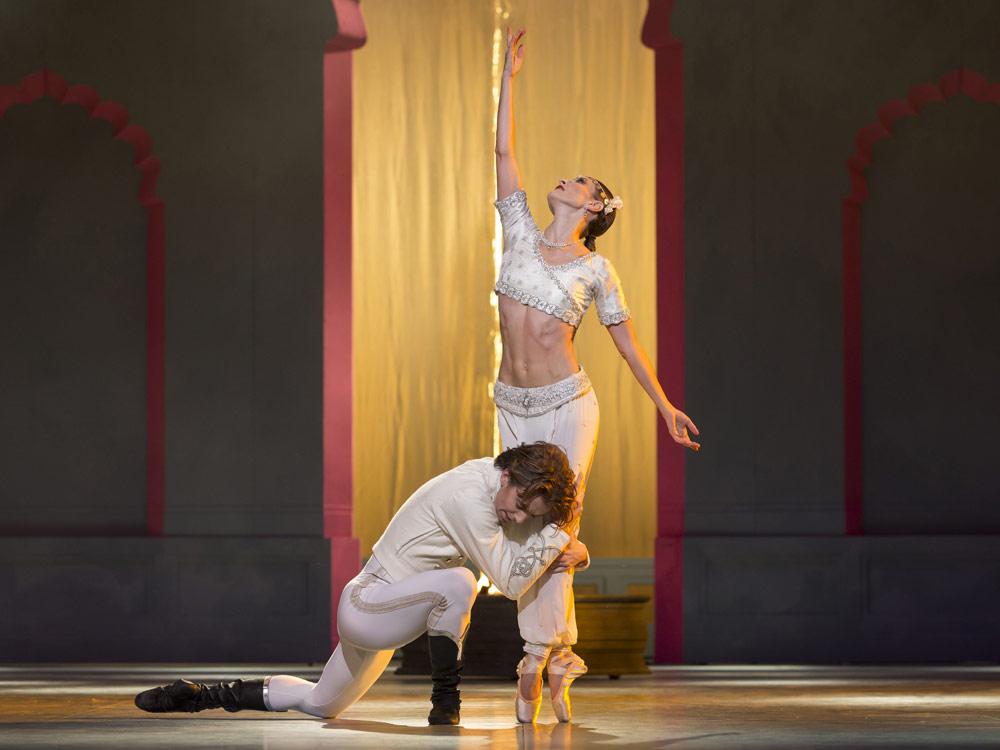 Gitte Lindstrom as Nikiya and Ulrik Birkkjaer as William in <I>La Bayadere</I>.<br />© Costin Radu. (Click image for larger version)
