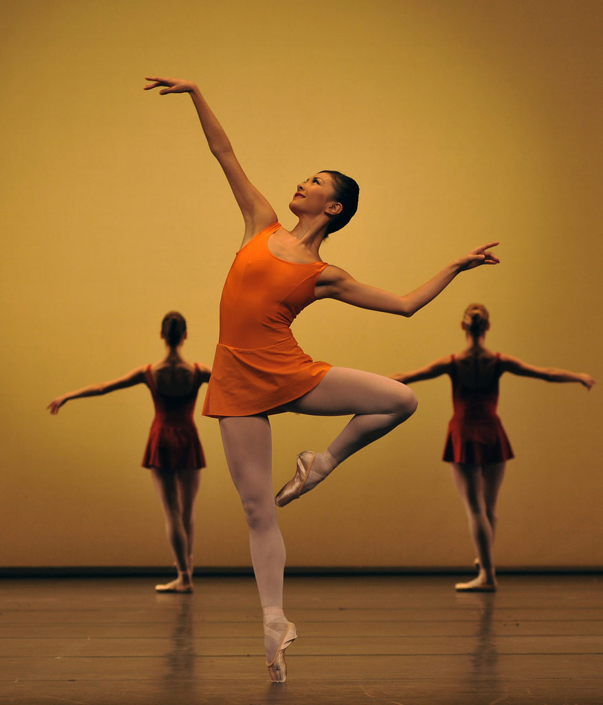 Yuhui Choe in <I>Concerto</I>.<br />© Dave Morgan, by kind permission of the Royal Opera House. (Click image for larger version)