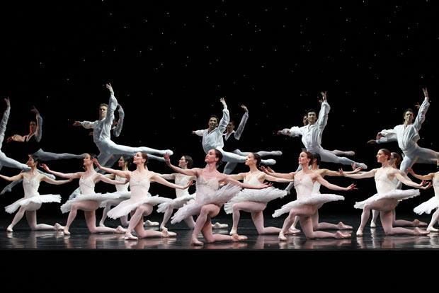 Austlian Ballet in David McAllister's <I>Overture</I>.<br />© Jeff Busby. (Click image for larger version)