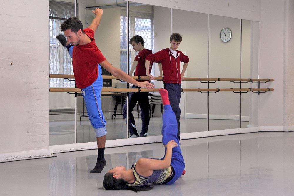 Robert Binet, at work in the studio with Random dancers on <I>Life's Witness</I>.<br />© Ravi Deepres, by kind permission of the Royal Opera House. (Click image for larger version)