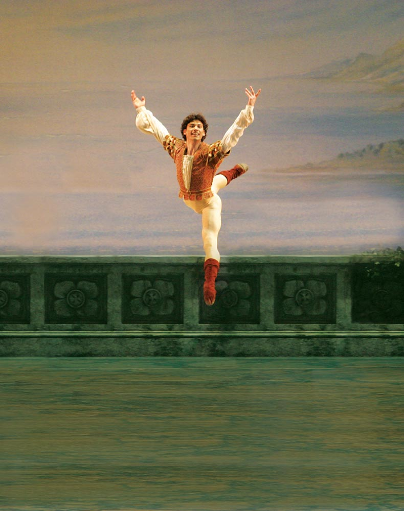 Herman Cornejo in <I>Swan Lake</I>.<br />© Rosalie O'Connor. (Click image for larger version)