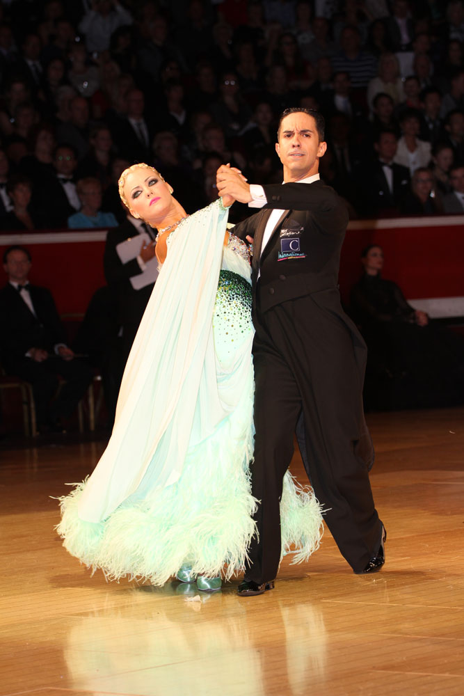 Emanuel Valeri and Tania Kehlet, Amateur Ballroom winners.<br />© Thomas Morton. (Click image for larger version)