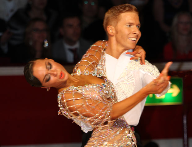 Neil Jones and Ekaterina Sokolova, Amateur Latin winners.<br />© Thomas Morton. (Click image for larger version)