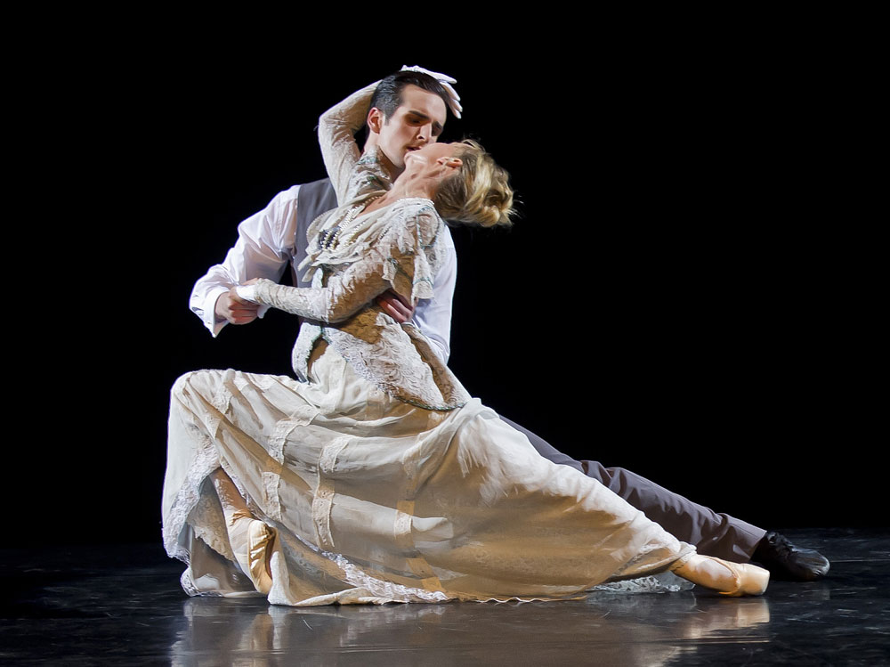 Claire Robertson and Owen Thorne, current day members of Scottish Ballet, in Peter Darrell's <I>Chéri</I>.<br />© Alan Peebles. (Click image for larger version)