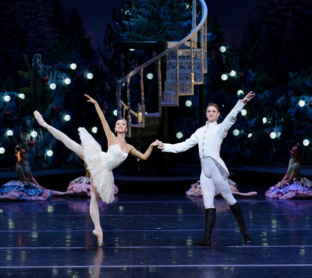 Zhang Si Yuan and Kostyantyn Keshyshev in <I>The Nutcracker</I>.<br />© Conrad Dy-Liacco. (Click image for larger version)
