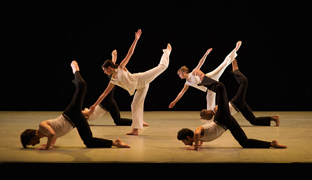 Richard Alston Dance Company in <I>Roughcut</I>.<br />© Chris Nash. (Click image for larger version)