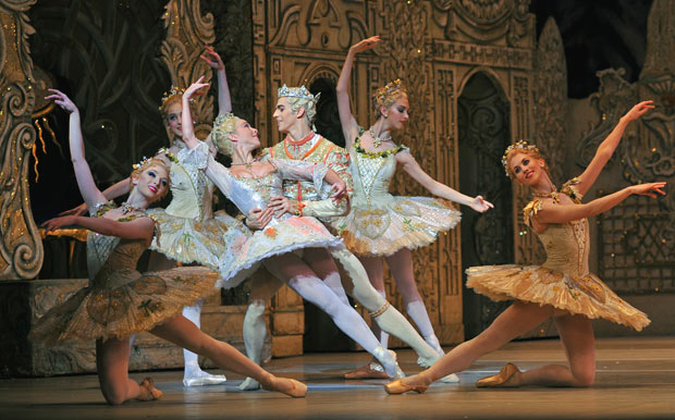 <I>The Nutcracker</I>: Laura Morera and Federico Bonelli, surrounded by (l-r): Claudia Dean, Camille Bracher, Lara Turk, Hayley Forskitt.<br />© Dave Morgan, by kind permission of the Royal Opera House. (Click image for larger version)