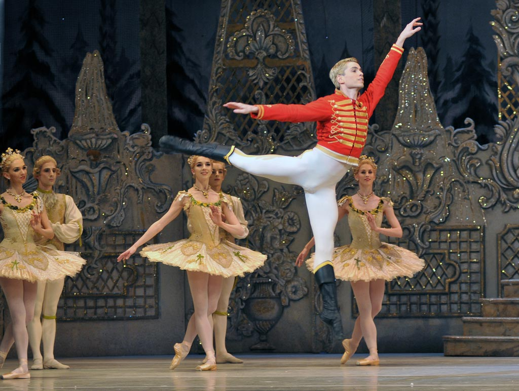 Ricardo Cervera in <I>The Nutcracker</I>.<br />© Dave Morgan, by kind permission of the Royal Opera House. (Click image for larger version)