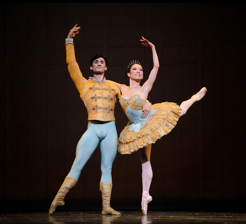 Frances Chung and Davit Karapetyan in <I>Nutcracker</I>.<br />© Erik Tomasson. (Click image for larger version)