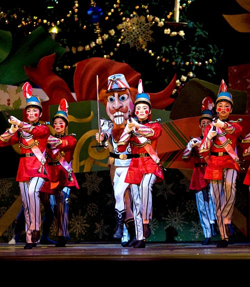 San Francisco Ballet in Tomasson's Nutcracker.© Erik Tomasson.
