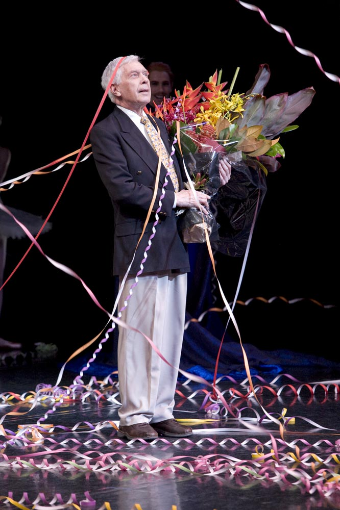 Colin Peasley farewell curtain call.<br />© Jess Bialek. (Click image for larger version)
