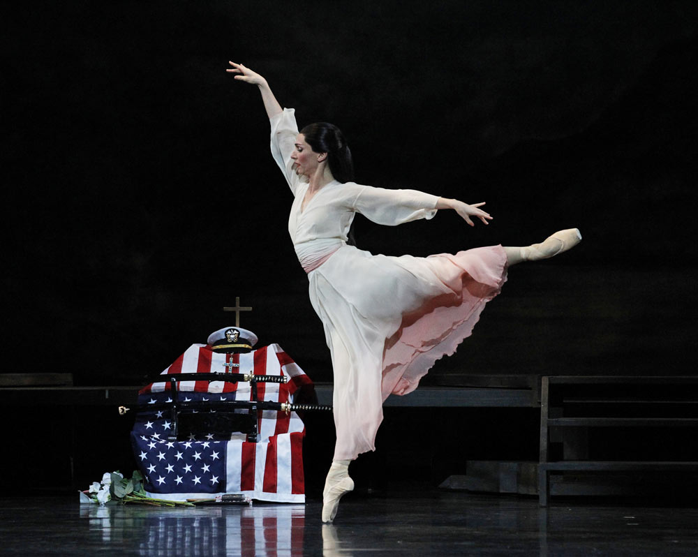 Rachel Rawlins in <I>Madame Butterfly</I> (2011).<br />© Jeff Busby. (Click image for larger version)