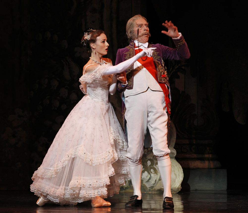 Colin Peasley and Madeleine Eastoe in <I>The Merry Widow</I> (2011).<br />© Jeff Busby. (Click image for larger version)
