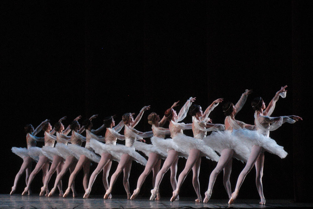 American Ballet Theatre in Act II of Makarova's <I>La Bayadere</I>.<br />© Marty Sohl. (Click image for larger version)