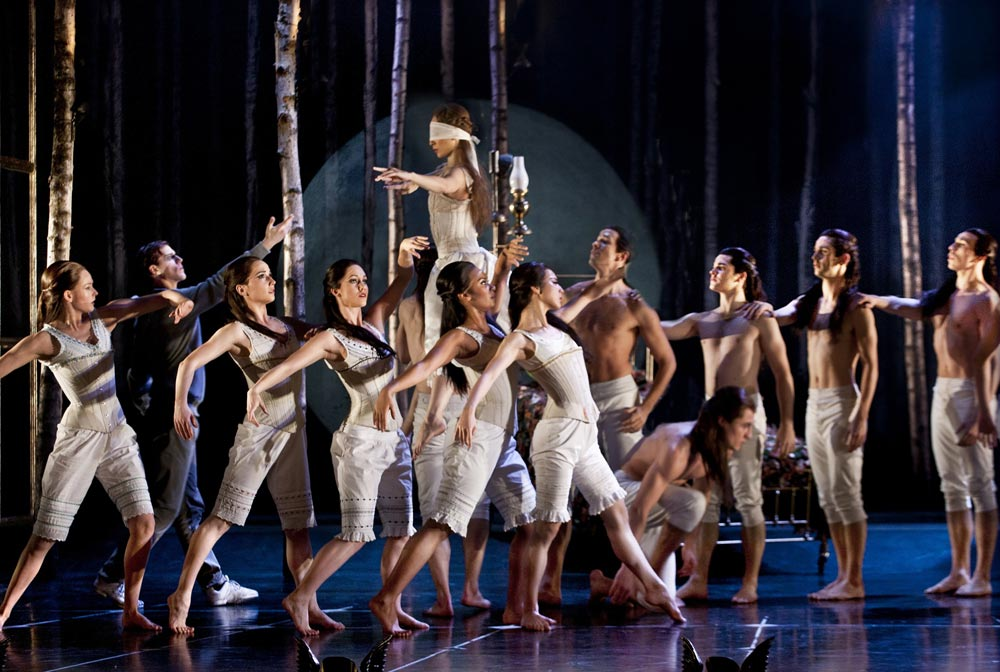 The Company of Matthew Bourne's Sleeping Beauty.© Simon Annand. (Click image for larger version)